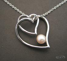 Pearl With Hearts Necklace P1591
